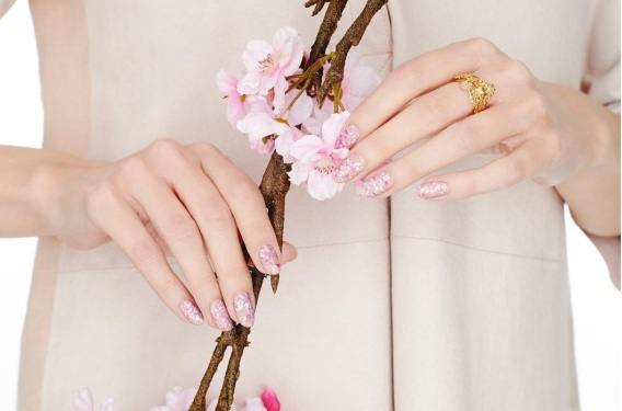 Nails inc. blossom nail varnish