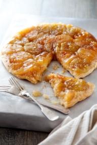 Signature_maple_tarte_tatin_from_Andrew_Rudd_at_the_Medley
