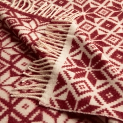 Mon Snow throw, around €175, www.johnlewis.com