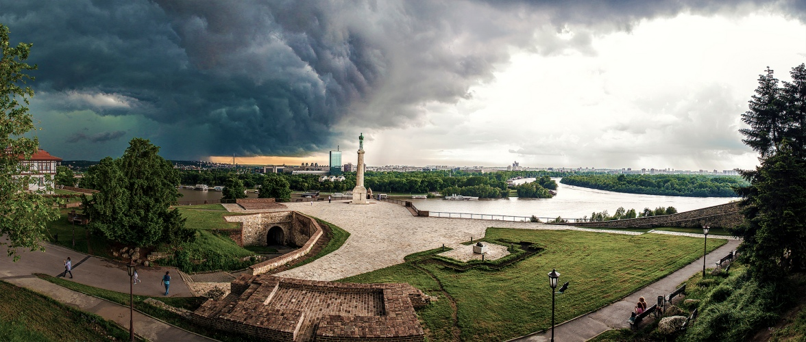 1385493379_Kalemegdan_fortress_in_Belgrade_-_Chasing_the_Storm